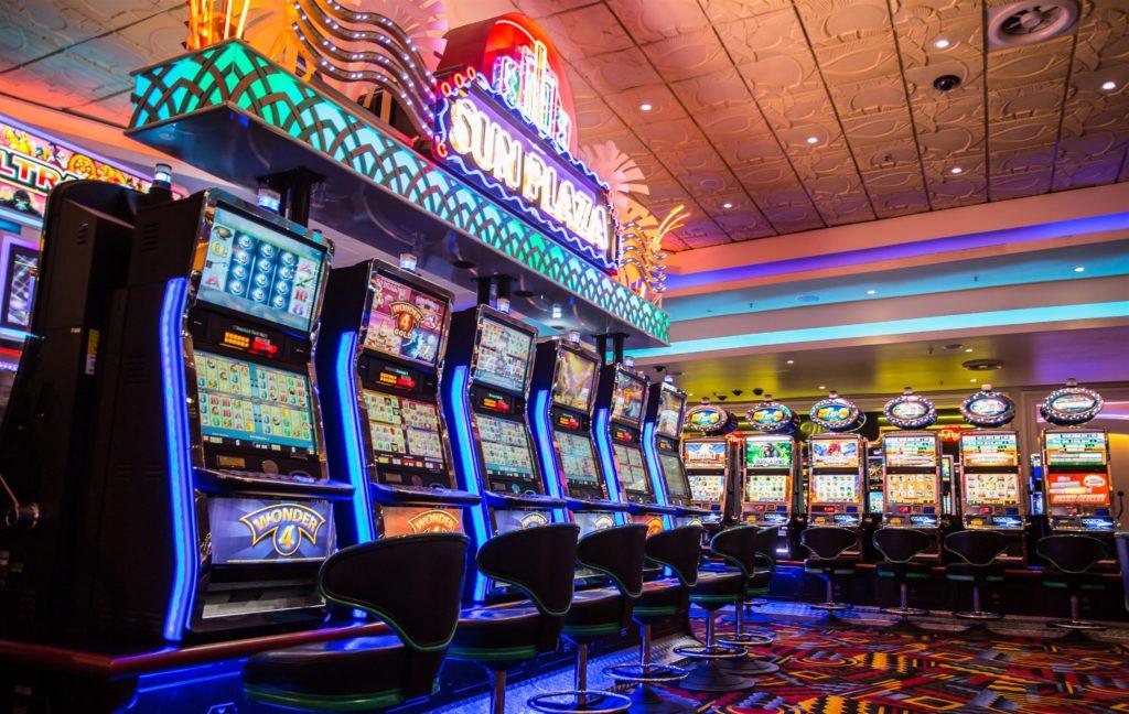 8 Hour Car Chase slots at suncoast casino